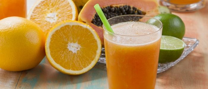 Sucos e vitaminas para prolongar o bronzeado